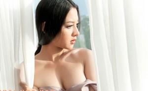 tham_my_nang_nguc_o_thai_lan