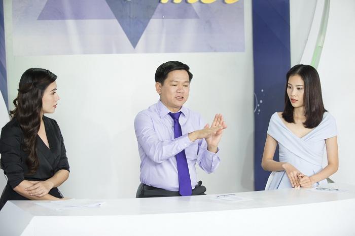 Bác sĩ Tú Dung lựa chọn phương pháp S Line Plus để cải thiện dáng mũi cho Việt Trang