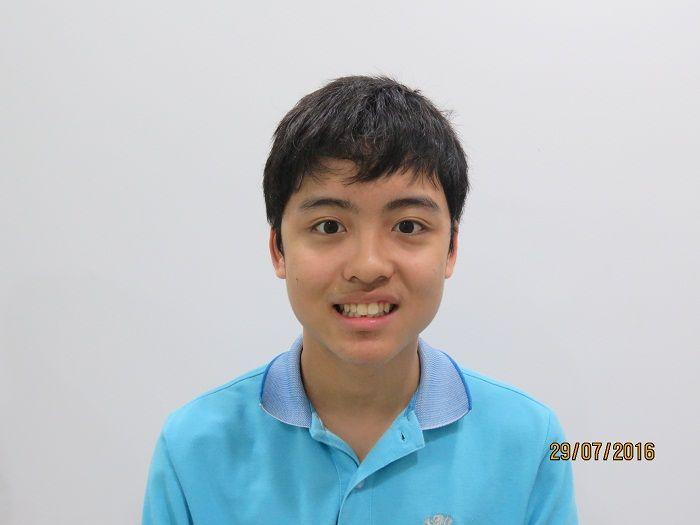Năm 15 tuổi, Hạ Long đã tự ý thức và muốn thay đổi hàm răng bị mọc lộn xộn của mình