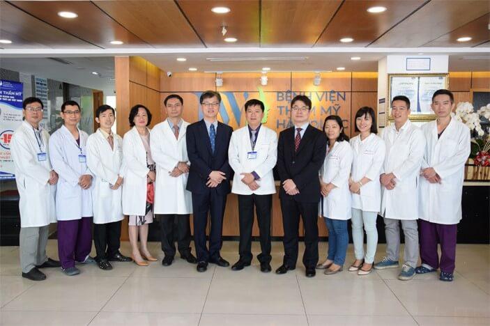 Đội ngũ các bác sĩ chuyên môn cao đang hoạt động tại Bệnh viện thẩm mỹ JW Hàn Quốc